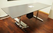 Møtebord / konferansebord i mørk grå / krom fra Svenheim, 200x80cm, passer 6 personer, pent brukt