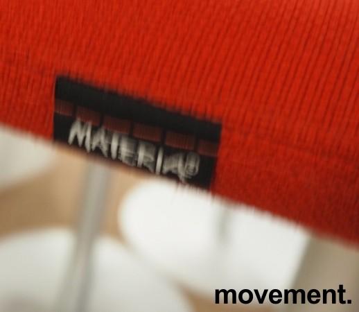 Barstol fra Materia i rødt/grålakkert metall, modell Turner, design: Sandin & Bülow, 79cm sittehøyde, pent brukt bilde 3