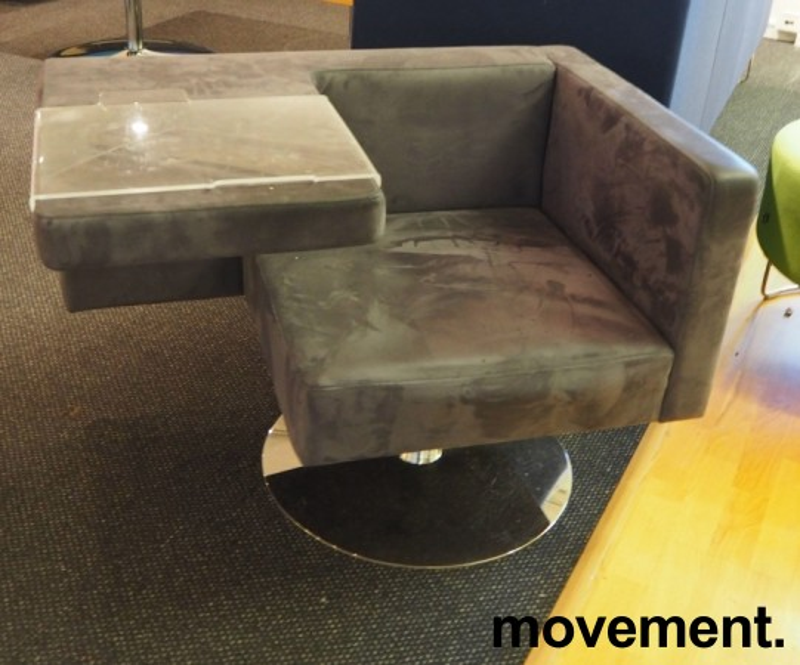 Loungestol fra Offecct i grått mikrofiberstoff, modell Solitaire med bord, pent brukt bilde 1