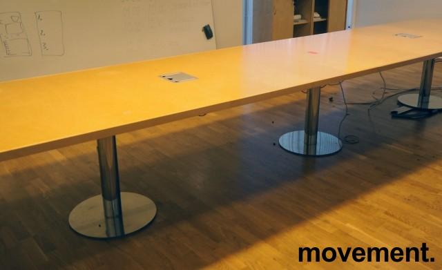 Møtebord i bjerk / krom, 480x110cm, passer 16-18 personer, pent brukt bilde 2