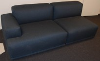Muuto design-sofa, modell Connect modulsofa, 213cm bredde i stålblått stoff, pent brukt