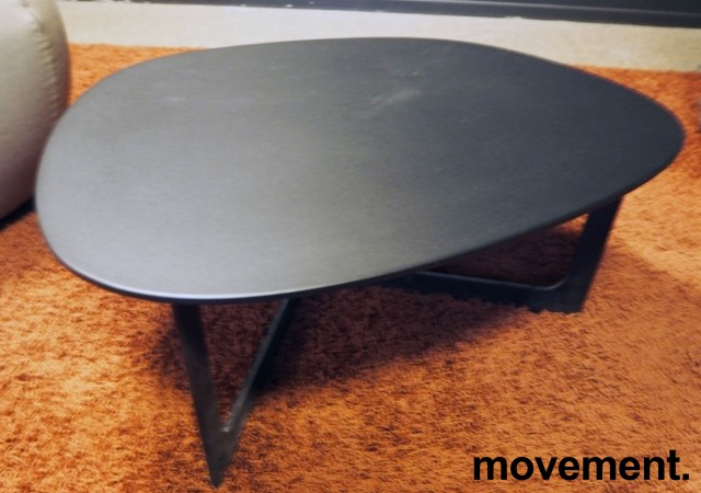 Loungebord i sort, Erik Jørgensen Insula EJ190, Design: Ernst & Jensen, pent brukt bilde 3