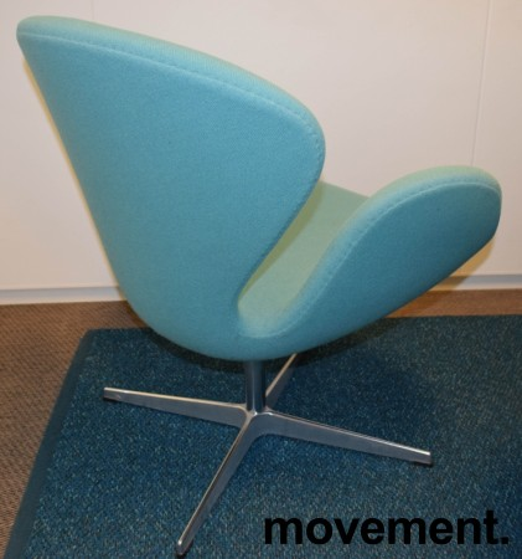 Fritz Hansen Svanen, design: Arne Jacobsen i turkis ullstoff, pent brukt bilde 7