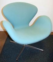Fritz Hansen Svanen, design: Arne Jacobsen i turkis ullstoff, pent brukt