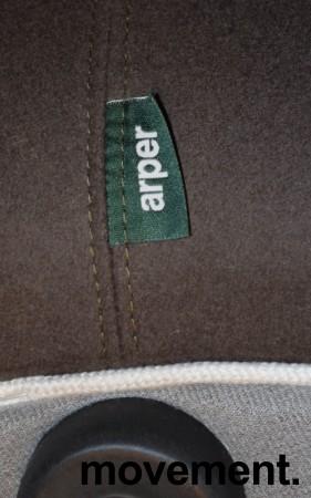 Puff fra Arper i olivengrønt stoff, modell Pix 87, Ø=87cm, H=43cm, Design: Ichiro Iwasaki, pent brukt bilde 3