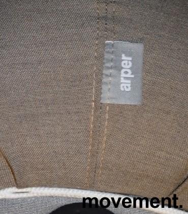 Puff fra Arper i grått stoff (gråbeige), modell Pix 67, Ø=67cm, pent brukt bilde 3