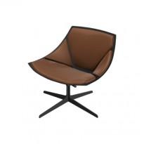 Loungestol fra Fritz Hansen, modell Space JL10, brunt skinn / sort base, design: Jehs&Laub, pent brukt