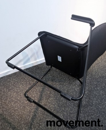 Konferansestol i sort, sortlakkerte meier, sorte armlener, modell LINE Lounge, NY/UBRUKT bilde 5
