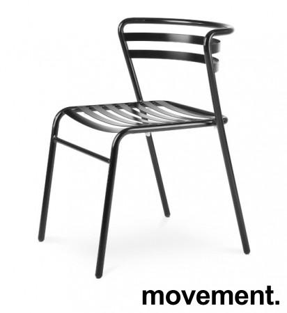 Lekker stablestol i sortlakkert metall, kan brukes utendørs, modell NIC, NY/UBRUKT bilde 1
