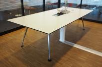 Møtebord / konferansebord i hvitt / polert aluminium fra Vitra, 260x120cm, passer 8-10 personer, kabelluke, pent brukt