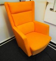 Loungestol / lenestol Apollo fra Kinnarps i orange stoff, pent brukt