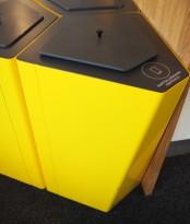 Søppelbøtte / papirkurv / kildesortering for papp i gullakkert metall fra Trece, pent brukt