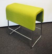 Materia Plint barpall / barkrakk i grønt stoff / krom, bredde 60cm, høyde 65cm pent brukt