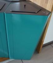 Søppelbøtte / papirkurv / kildesortering for restavfall i turkis fra Trece, pent brukt