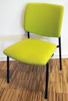 Konferansestol i grønt / sort fra Sesta Italia, modell Q-44, kan kobles sammen i rekker, pent brukt