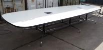 Stort møtebord i hvitt med sort kant, Vitra Eames Segmented Table, 426x136cm, 14-16personer, pent brukt