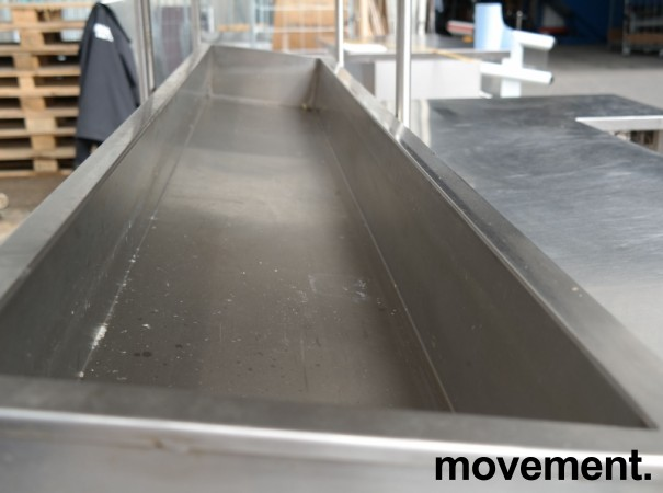 Arbeidsbenk i rustfritt stål med varmeskap, 237cm bredde, pent brukt bilde 9