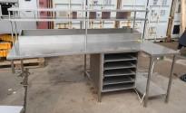 Arbeidsbenk i rustfritt stål med varmeskap, 237cm bredde, pent brukt