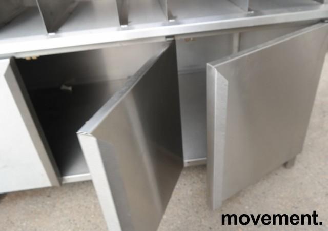 Arbeidsbenk med koppholdere i rustfritt stål, 170x90cm, pent brukt bilde 6