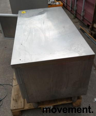 Kjølebenk fra Porkka i rustfritt stål med kjøledør og 2 kjøleskuffer, 126cm bredde, 64cm høyde, pent brukt bilde 5