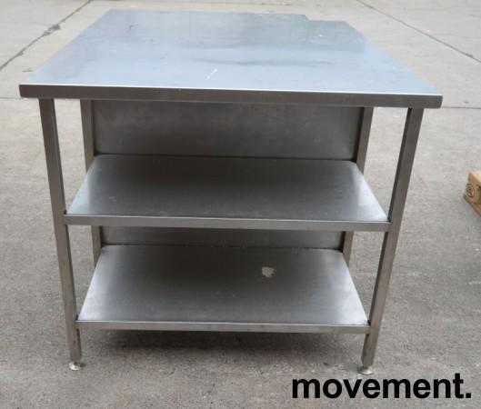 Arbeidsbenk i rustfritt stål, 130x100cm, reol under benk, pent brukt bilde 2