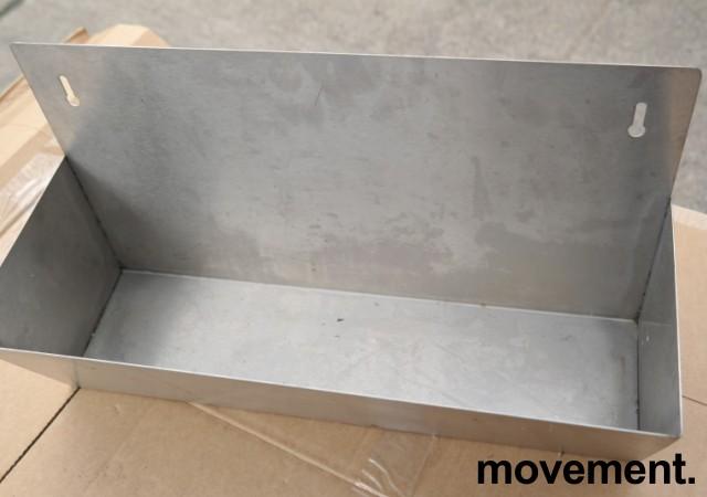 Vegghengt hylle i rustfritt stål til storkjøkken, 45x25cm, pent brukt bilde 2