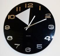 Veggklokke / veggur i sort glass fra Karlsson, Ø=35 cm, pent brukt