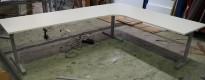 Hjørneløsning elektrisk hevsenk fra Linak i hvitt / grått, 280x220cm, NY PLATE / pent brukt understell