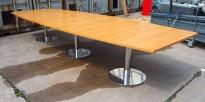 Møtebord i eik / krom, 446x149cm, passer 14-16 personer, pent brukt