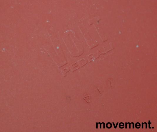 Kafestol / stol for uteservering i rød plat fra Pedrali, modell Volt, pent brukt bilde 5