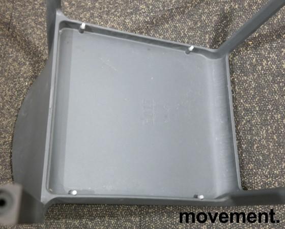 Kafestol / stol for uteservering i grå plast fra Pedrali, modell Volt, pent brukt bilde 5