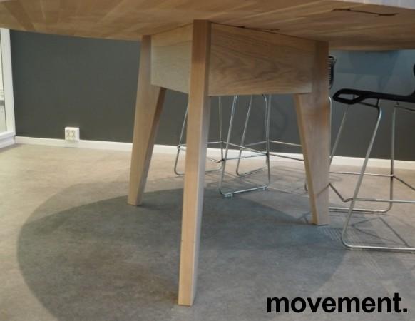 Høyt (88cm), rundt møtebord / mingelbord / barbord i hvitpigmentert eik, Ø=180cm, pent brukt bilde 3