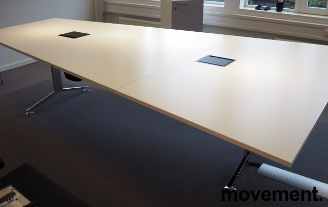 Trapesformet møtebord i hvitt / krom, 300x200cm, passer 10-12 personer, egnet for videokonferanse, pent brukt bilde 3