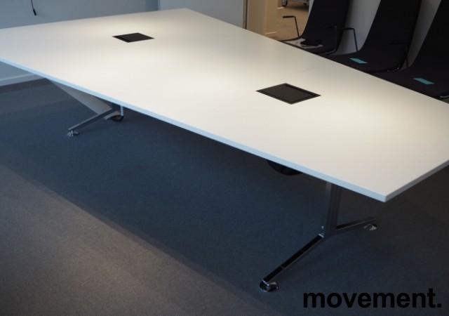 Trapesformet møtebord i hvitt / krom, 300x200cm, passer 10-12 personer, egnet for videokonferanse, pent brukt bilde 5