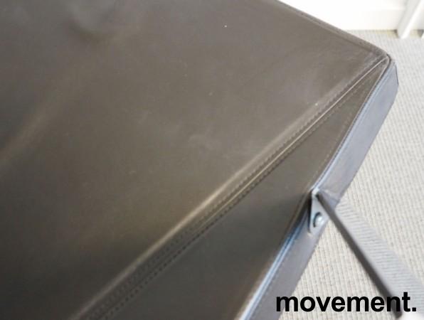 Konferansestol i mørkt brunt skinn / krom fra Klaessons / Materia, mod Mayflower, pent brukt bilde 3