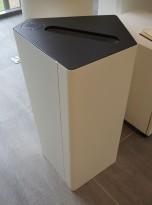 Søppelbøtte / papirkurv / kildesortering for papiravfall i hvitt / grått fra Trece, pent brukt
