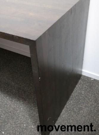 Barbord / ståbord i brunbeiset eik, 180x80cm, høyde 90cm, brukt med noe slitasje bilde 3