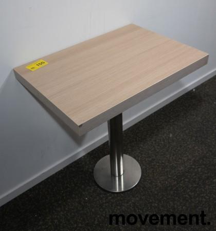 Kafebord med plate i lys eikelaminat, understell i satinert stål for montering i gulv, 69x49cm, H=76cm, pent brukt bilde 2