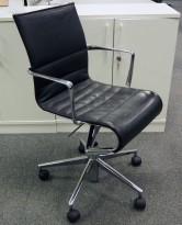 Alias Rollingframe konferansestol på hjul i polert aluminium / sort skinn, pent brukt