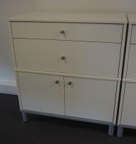 Skap med 2 skuffer i hvitt fra IKEA, bredde 85cm, høyde 95cm, pent brukt