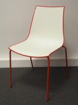 Konferansestol / kafestol i hvitt / rødt fra Pedrali, modell 3D, pent brukt