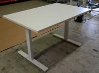 Skrivebord med elektrisk hevsenk i hvitt fra Linak, 120x80cm, pent brukt