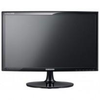 Flatskjerm til PC: Samsung 24toms LED S24A300B, 1920x1080, Full HD, DVI/VGA, pent brukt