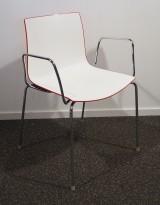 Arper Catifa 46, stablebar design-stol i hvitt med rød bakside / krom, armlene, pent brukt