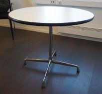Rundt design-møtebord i hvitt, Eames Segmented Table, Ø=90cm, pent brukt