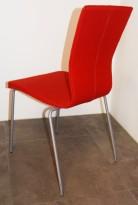 Konferansestol fra EFG/HovDokka i rødt stoff / grå ben, modell GRAF, pent brukt