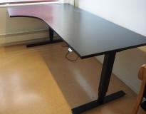 Skrivebord med elektrisk hevsenk i sort fra EFG, 200x120cm, venstreløsning, pent brukt