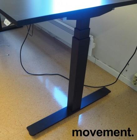 Hjørneløsning / skrivebord med elektrisk hevsenk i sort fra EFG, 200x180cm venstreløsning, pent brukt 2017-modell bilde 3