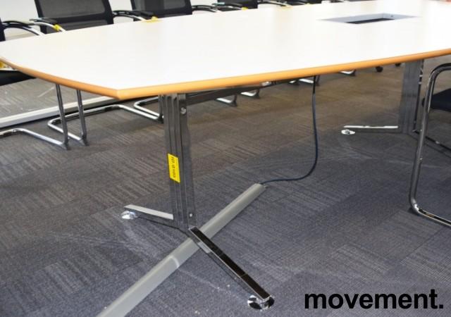 Stort møtebord i hvitt / krom, 530x120cm, passer 16-20 personer, pent brukt bilde 3