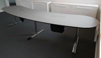 Møtebord / konferansebord i mørkt grått, buet, 350x80cm, fin til videokonferanse, pent brukt